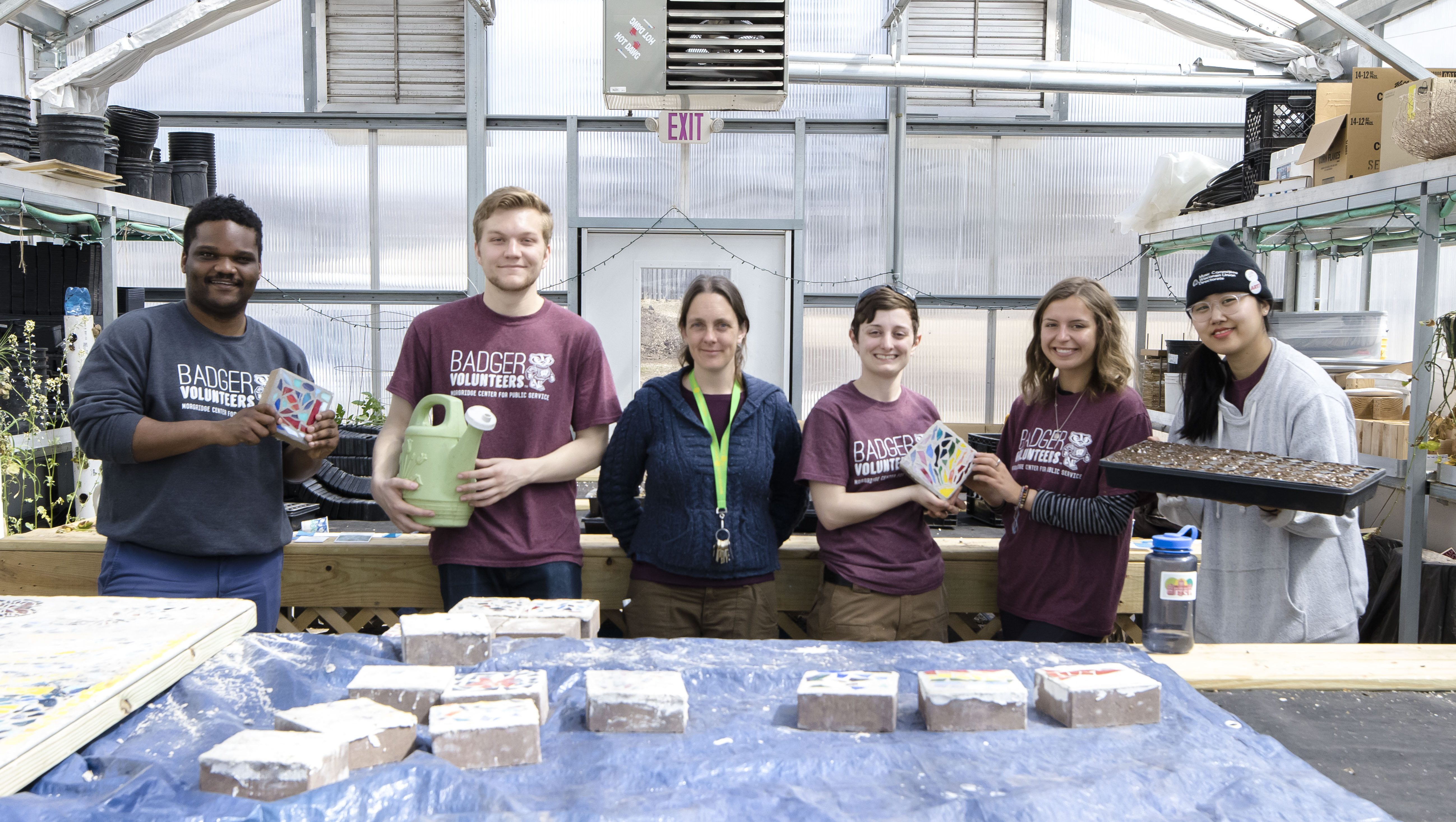 Students volunteering at the Center for Resilient Cities