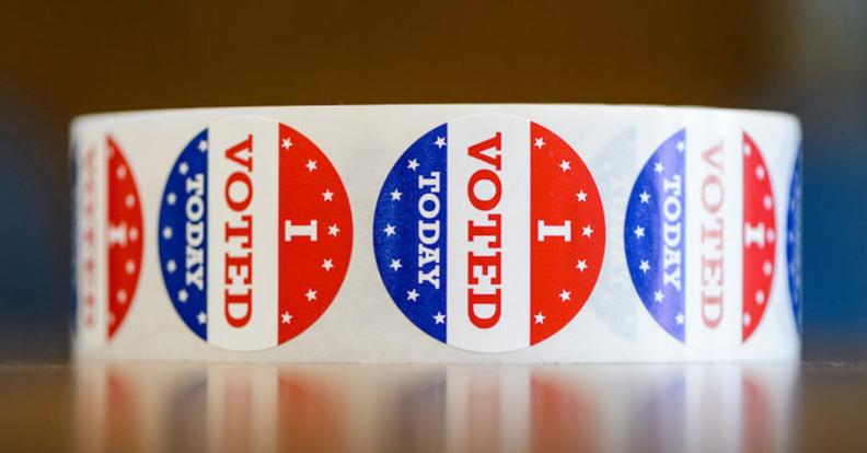 Vote sticker roll