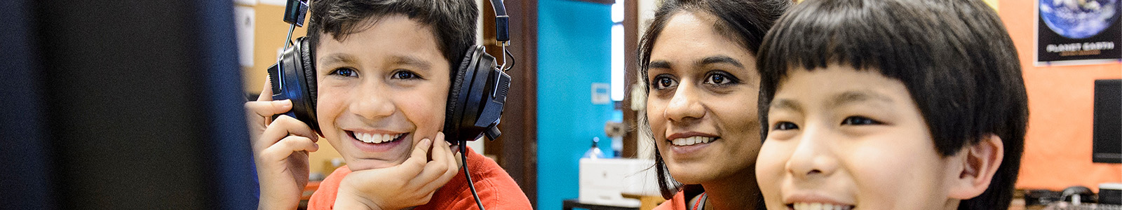 UW student Neha Godwal (left) works with students enrolled in a UW-Madison Computer Science Catapult Club at Randall Elementary School on March 7, 2017.